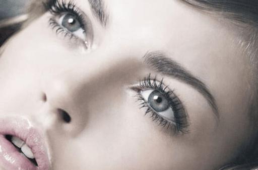 Få lagt professionel makeup København til dit bryllup